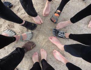 Bare voetjes, workshoppers
