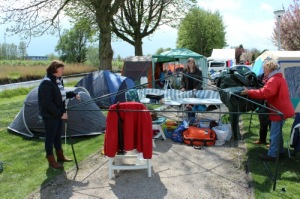 onze tent afbreken, photo by Rinus Running