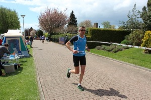 remco en ik verzorgingspost, photo by Rinus Running