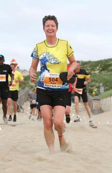 Anne van Dalen Beach Run 208, door Jeroen Tibbe